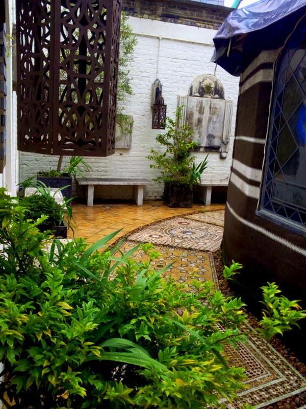 10 lieux secrets et gratuits d couvrir londres a for Cafe du jardin covent garden