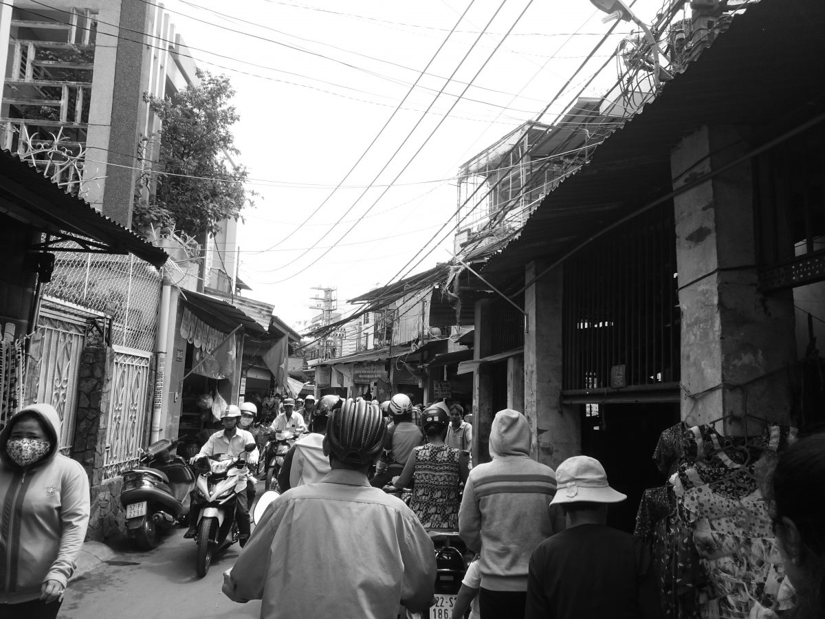 BUsy street in Ho Chi Minh City, Vietnem